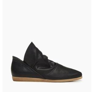NIB • Coclico Pelipa shoe in black *NEW*